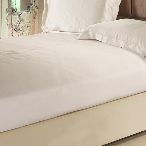 Ivory غطاء السرير من الحرير