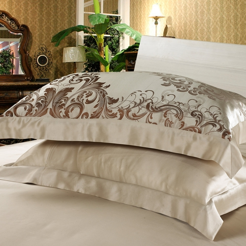 Café Brillante Silk Pillowcase