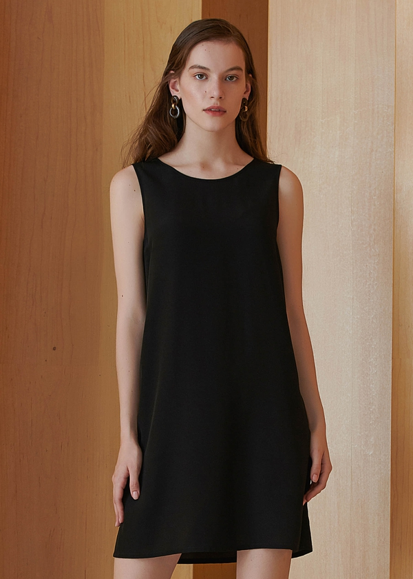 black-18mm-sleeveless-v-neck-back-silk-shift-dress-01.jpg
