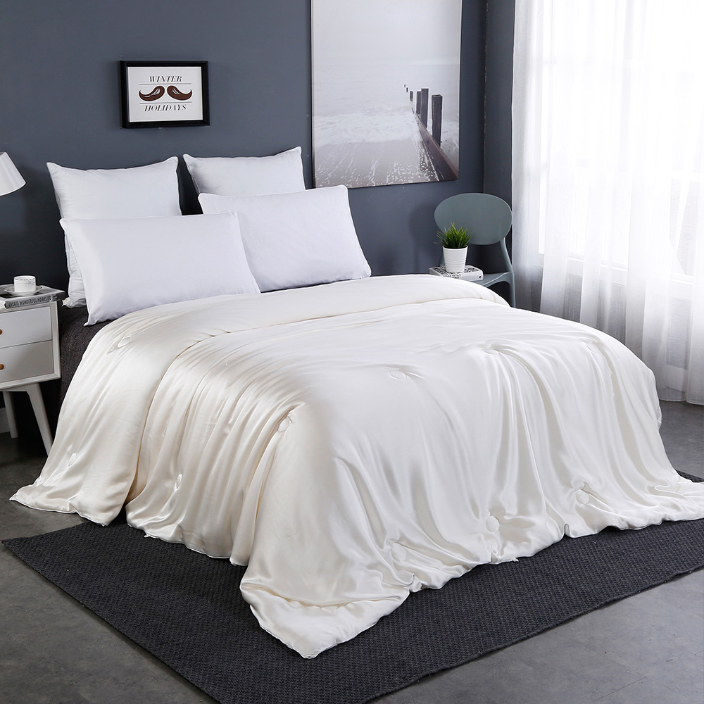 All Season Silk Comforter With Silk Shell