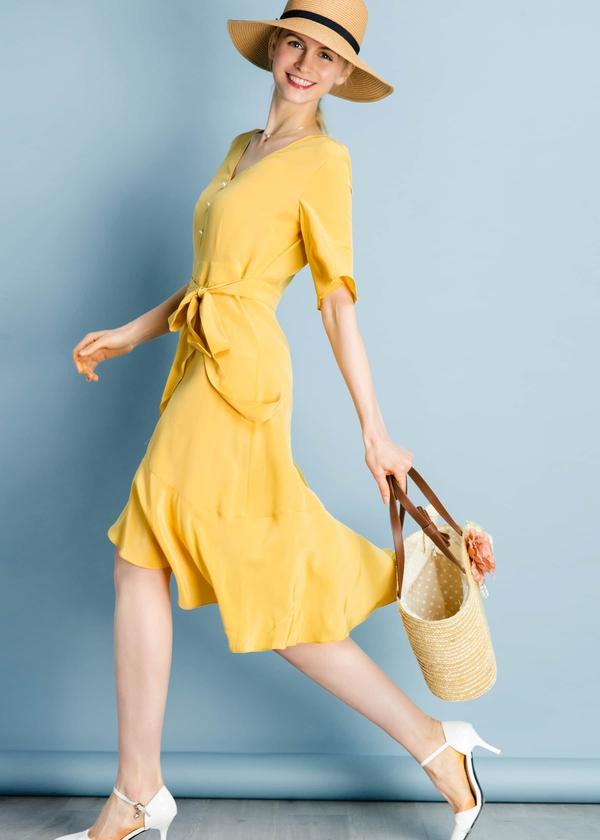ginger-ruffle-trim-v-neck-16mm-silk-dress-01.jpg