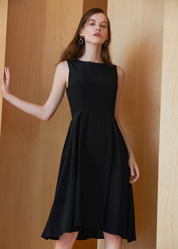 black-vintage-round-neck-18mm-silk-little-black-dress-01.jpg