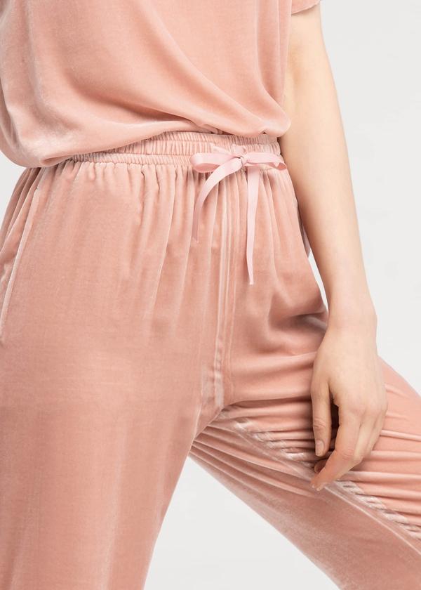velvet-peach-waist-flattering-silk-velvet-athletic-pants-01.jpg