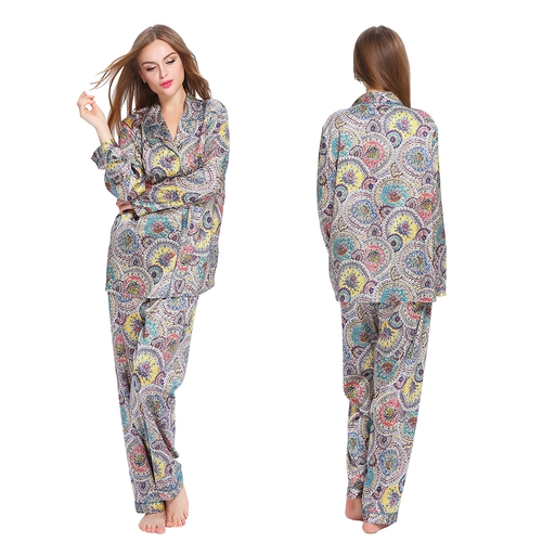 Set pigiama di seta geometrici floreali