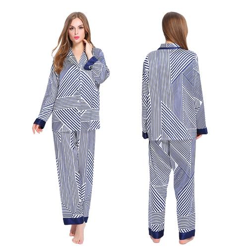 Set pigiama di seta a strisce