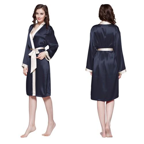 Vestaglia di media lunghezza con bordatura, polsini e cintura a contrasto di seta 22 momme